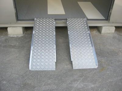 フジストッカー 共通オプション 設備 スロープ(アルミ製) 画像1